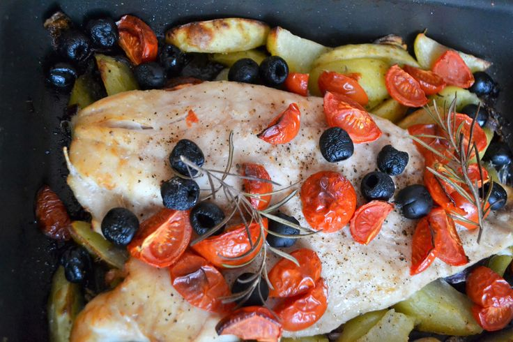 Ingredients: Half a perch 4-5  Potatoes 1  Red onion 3 Garlic cloves 8-10 Cherry tomatoes Half tine of black olives Olive oil Rosemary Salt Black pepper Step 1. Preheat the oven to 180 C Step 2. Pe…