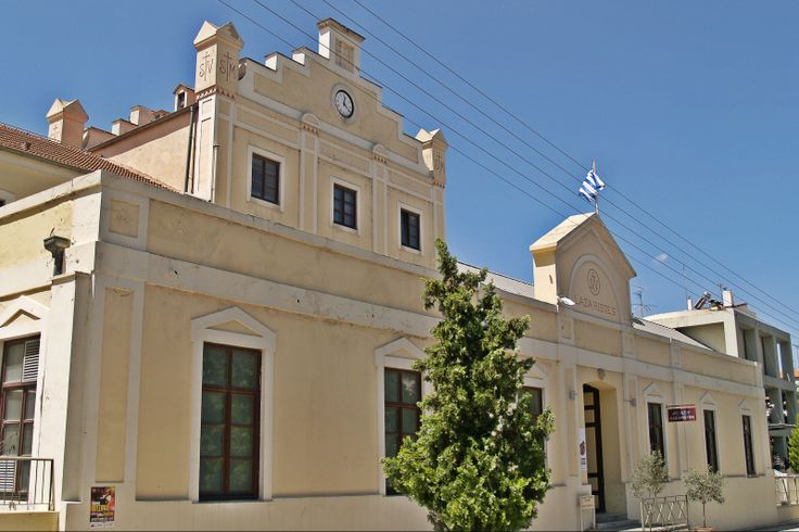 The main entrance of Lazaristes Monastery that now houses cultural activities. (Walking Thessaloniki - Route 19, Terpsithea)
