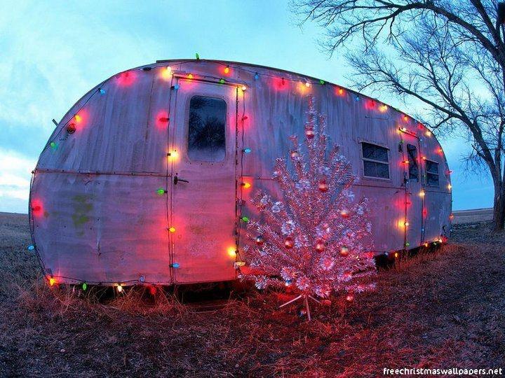 Christmas Caravan: Decks The Hall, Rednecks Christmas, Christmas Lights, Holidays Gifts, Sweet Home, Christmas Trees, Happy Campers, Merry Christmas, Vintage Campers