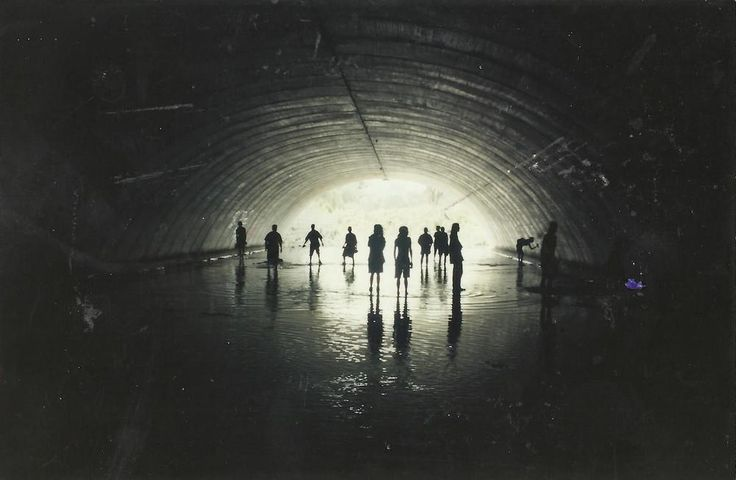 Zobacz unikalne zdjęcia z tuneli i kanałów pod miastami Australii i Europy