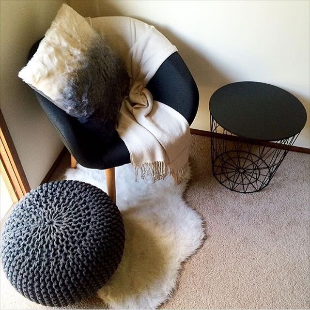 Here is another cozy reading corner this time by @katamyscott featuring the new…
