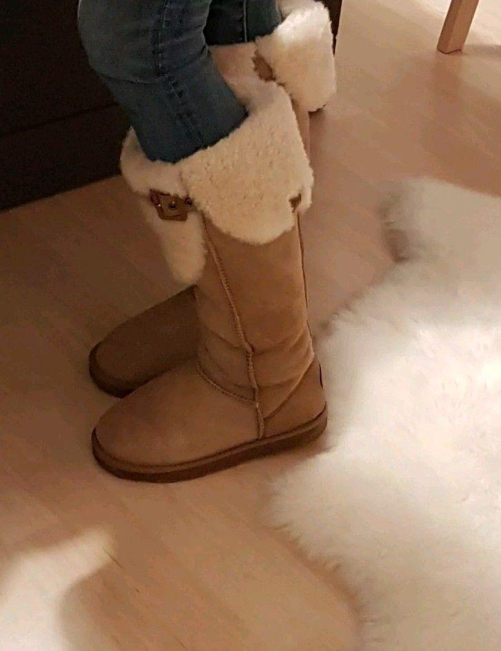 90dda84cb38 Pin by Jennifer on UGG Boots Rock | Ugg fur boots, Furry boots, Ugg ...