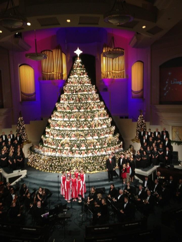 The Living Christmas Tree at First Baptist Church ...