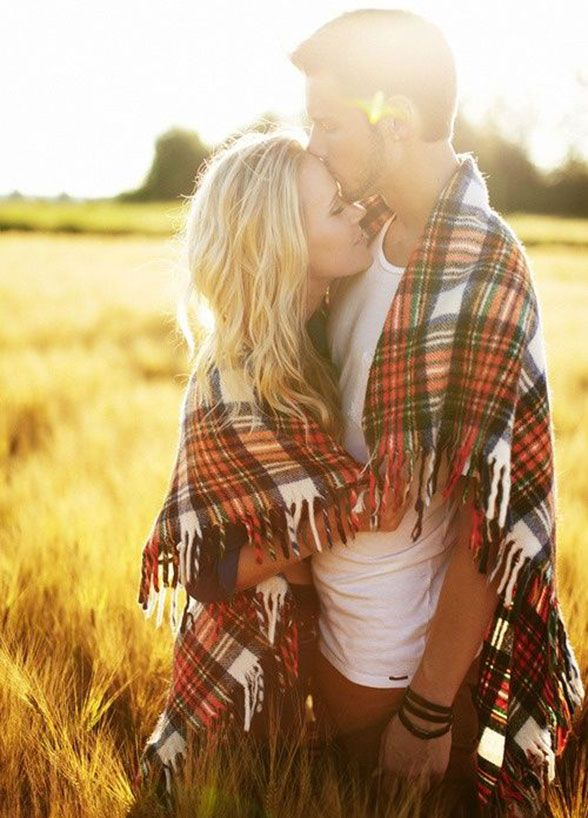 4. Snuggle Up – Get wrapped up in each other! Cuddle up for the camera, being oh-so-close will let your love shine effortlessly. #EngagementPhoto #CouplePhoto