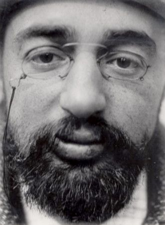 Henri de Toulouse Lautrec, photo by Maurice Guibert
