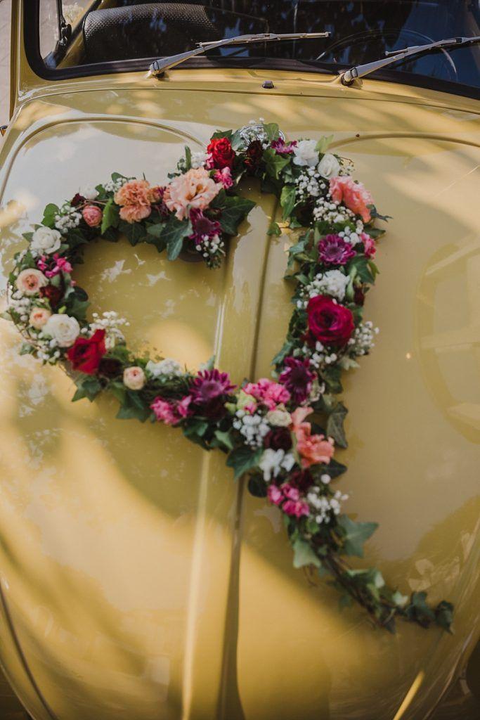 Diy Hochzeit Mit Flower Bar Hochzeitsblog The Little Wedding Corner Autoschmuck Hochzeit Autodeko Hochzeit Diy Hochzeit