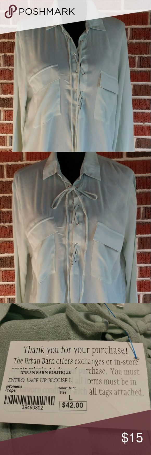 Blouse 🌟price reduction🌟 Mint green blouse, pockets, lace front, slits on the sides ( The Urban Barn Boutique) Entro Tops Blouses