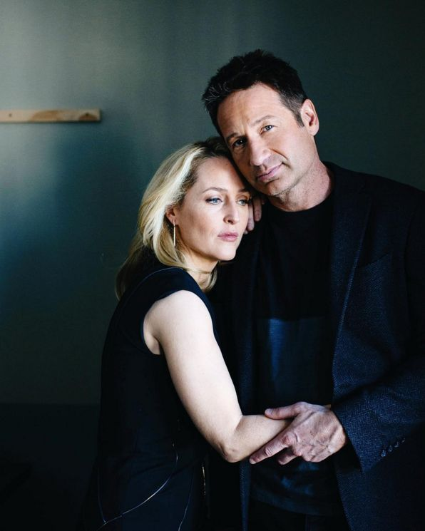 warhammersbride:  laularlau8:  brinsonbanks And this was our second setup with The X-Files' Gillian Anderson and David Duchovny for @nytimes at The Hollywood Roosevelt Hotel.#makeportraits   I just now noticed her hand is inside his jacket in this photo too! Yeah, platonic friends do that all the time.   It's like at Paley where she held his jacket like a comfort blanket