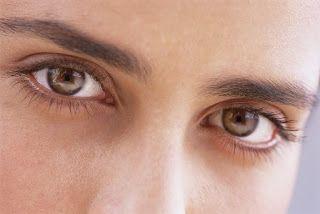 jika Anda sedang mengalami sakit mata sebaiknya mengobatinya dengan obat sakit mata alami yang ampuh dan terbukti mengobati sakit mata anda