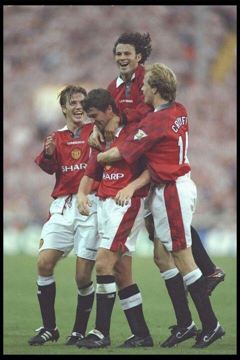 Keane, Giggs, Beckham and Cruyff. Manchester United.