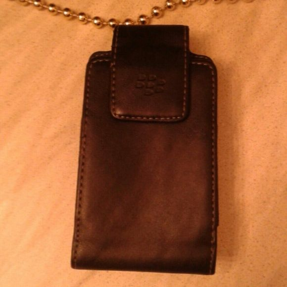 Authentic leather blackberry phone holder. Original black blackberry phone holder. Will fit most blackberries and my touch phones. blackberry Accessories