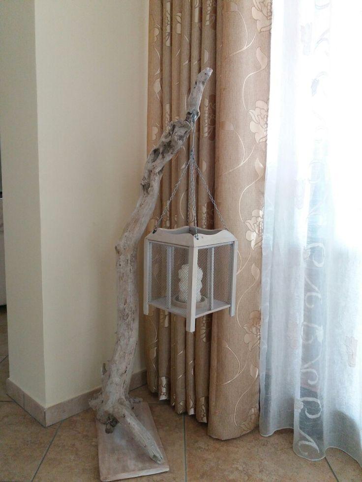 Porta lanterna realizzata con legno legni di mare light for Legni di mare arredamento