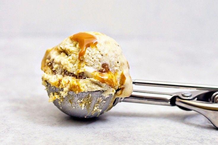Zelf salted caramel ijs maken zonder ijsmachine  