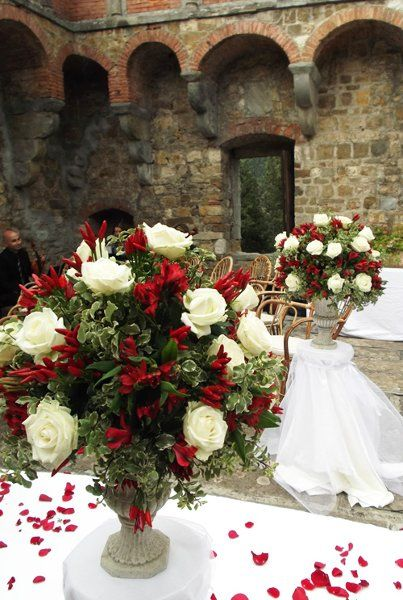 Classic Romantic Red White Decor Destination Europe Greenery Historic Site Outdoor Reception Rose Summer Wedding Flowers Photos & Pictures - WeddingWire.com