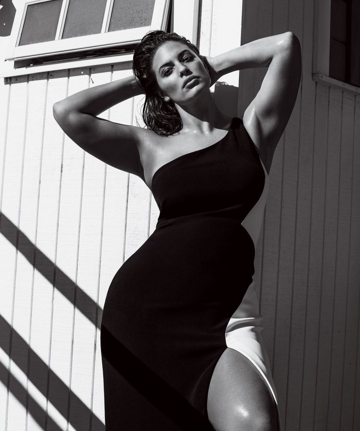 Ashley Graham in Cushnie et Ochs. Photographed by Inez and Vinoodh, Vogue, March 2017.