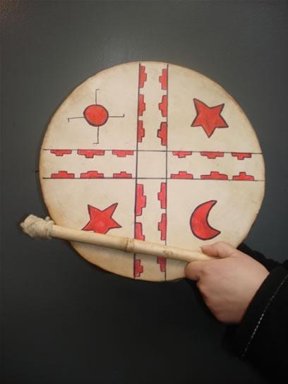 Mapuche drum, Fotos de  Instrumentos Musicales Mapuches y  joyería Mapuche, South America