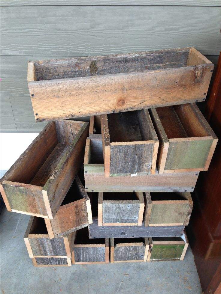 Cedar boxes.... Repurposed fence boards So many options : flower box, centerpiece with jars and candles........
