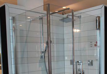 Bain en vitre: http://www.boutiquealo.com/douches-et-portes-de-douche