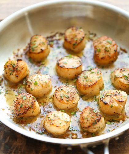 Recettes de pétoncles grillés au beurre à l'ail et citron