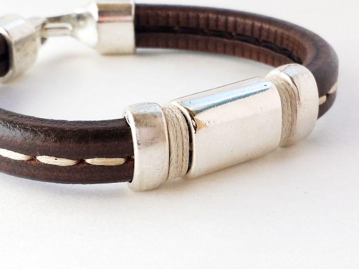 Pulsera de cuero para hombre,brazalete de cuero,pulseras de hombres,bisuteria para hombres,joyas artesanales por karambolastyle  $33,60   #mensbracelets #leather bracelets for men  #leatherbracelets #leathercuff