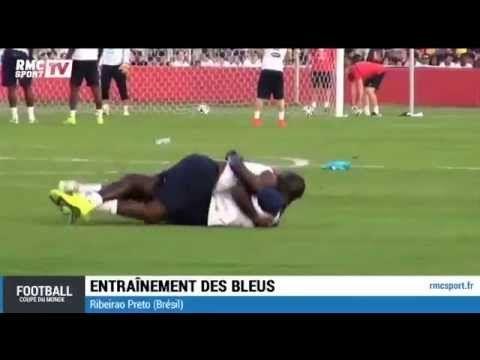 Drôle de position : Les roulades de Mamadou Sakho avec Rio Mavuba (vidéo) - http://www.actusports.fr/105656/drole-de-position-les-roulades-de-mamadou-sakho-avec-rio-mavuba-video/