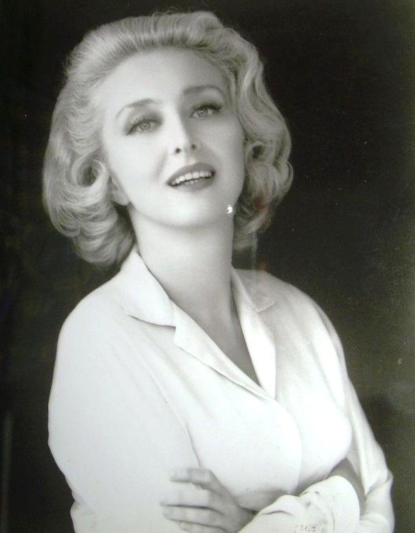 Celeste Holm - What a beauty! Wonderful actress =)