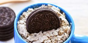Lazy recept: Oreo en witte chocolade cake uit een mok | Fashionlab