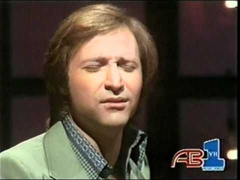 """Kenny Nolan performs """"I Like Dreamin' """" on American Bandstand aired January 22, 1977."""
