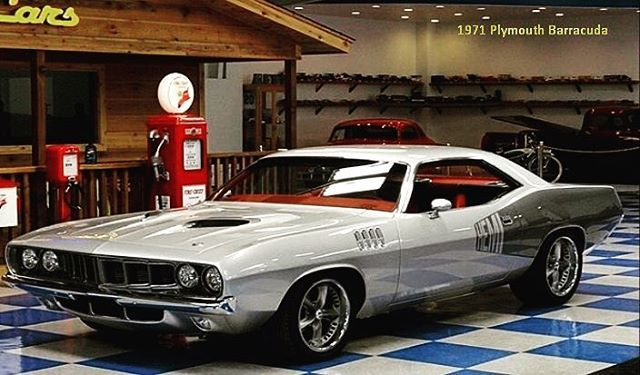 Gotta love sum bad azz American Muscle !!!! • • • • #plymouth #mopar #hemi #cuda #barracuda #71 #americanmuscle #classic #custom #showstopper #muscle #classiccar #art #supercar #horsepower #musclecar #vintage #oldschool #badass #timeless #artwork #iconic #levels #cantbeatamericanmuscle