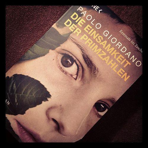 Paolo Giordano La solitudine dei numeri primi - Die Einsamkeit der Primzahlen - The solitude of prime numbers. Whatever language you read the book in, it's great!