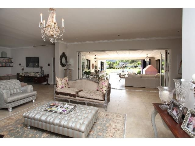 4 bedroom House for sale in Constantia | Greeff