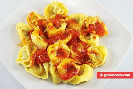 Mushroom and Cheese Tortellini with Tomato Sauce | Italian Food Recipes | Genius cook - Healthy Nutrition, Tasty Food, Simple Recipes