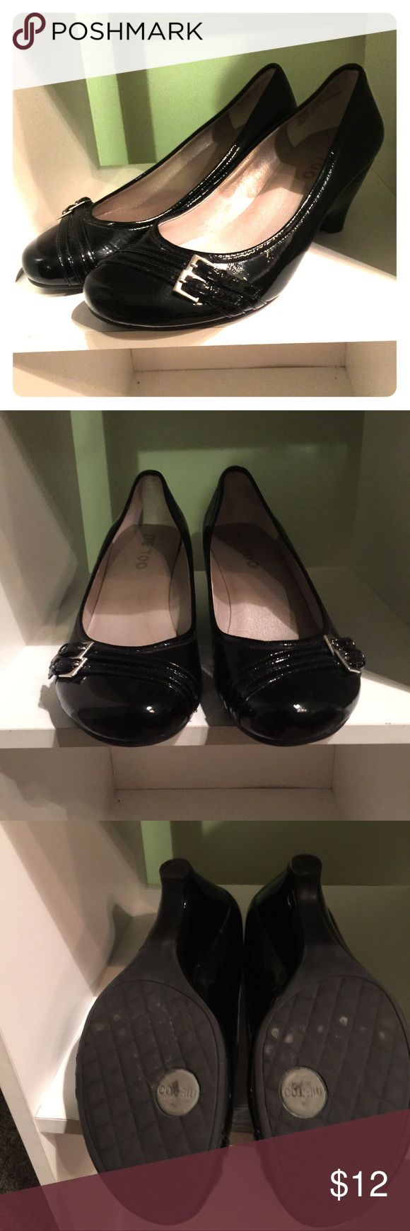 Me Too black patent leather shoe Like new patent leather shoes. Upper balance man made material. Size 6 1/2. me too Shoes Heels