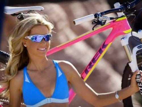 #emily #batty #emilybatty #mtb #cycling #cycle #rider #pro #mountain #bike #mountainbike #bicycle #bikini #girl #babe #blonde #hot