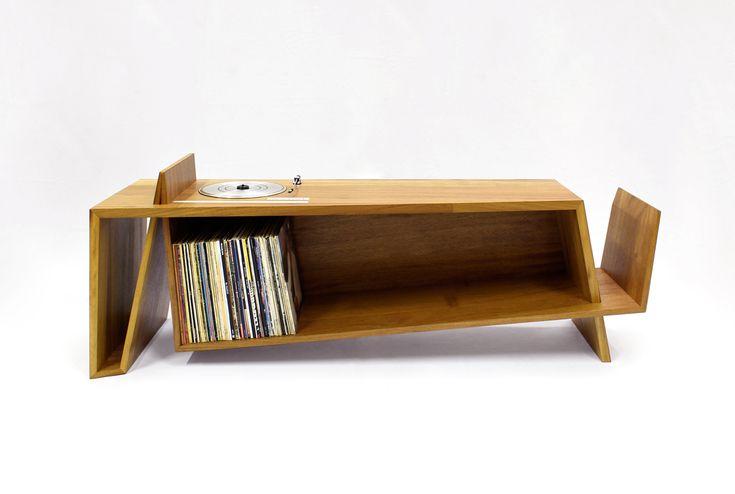 Idée pour fabriquer un meuble vinyle ! la platine intégrée à un meuble de façon à ce qu'elle devienne invisible