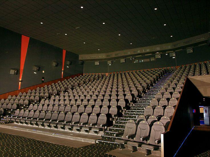 Sala en Barakaldo (Bilbao) de la cadena Yelmo Cines equipada con Roma V.07. Movie theatre in Barakaldo (Bilbao) of chain Yelmo Cines equipped with Roma V.07.