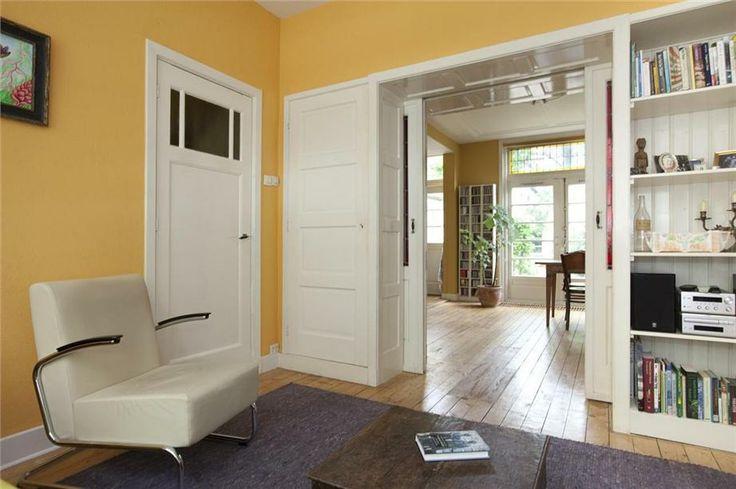 Kamer en suite met glas in lood deuren en kasten gouda foto 39 s funda kamer en suite jaren - Partition kamer ...