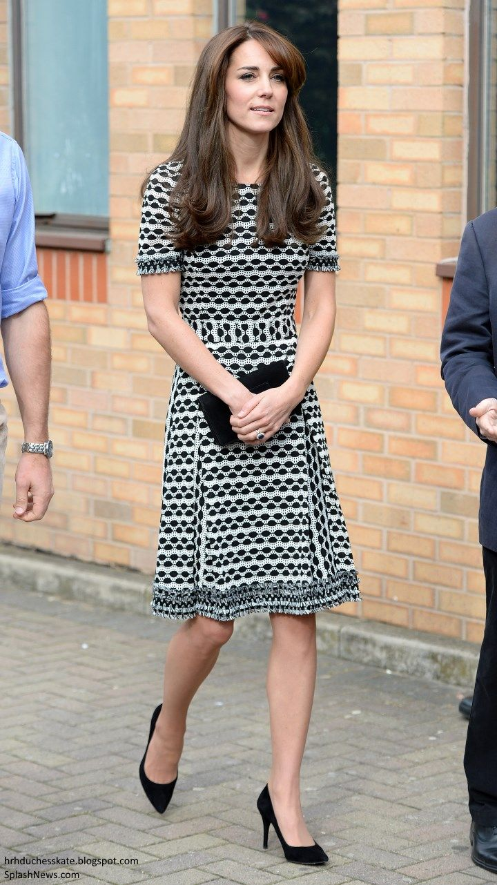 hrhduchesskate:  Visit to Mind, a mental health organization, for World Mental Health Day, London's Harrow College, October 10, 2015-the Duchess of Cambridge wore her Tory Burch 'Paulina' dress previously worn in New Zealand with her Stuart Weitzman Power Pumps and black suede Mulberry clutch