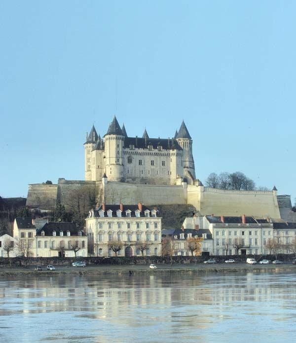 Chateau de Saumur, XIVe siecle - Adresses, horaires, tarifs.