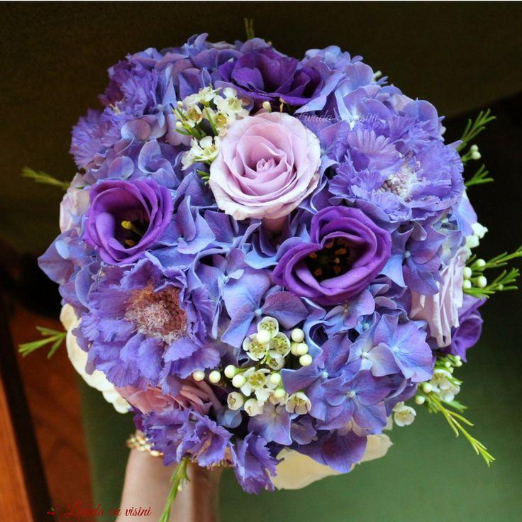 #purple #purplemood #shesaidyes #bride #sayitwithflowers #flowers #bouquet #idoflowers #weddingflowers #madewithjoy #madewithlove #livadacuvisini #paulamoldovan #floraldesign #buchet #nunta #bucuresti #flori #hydrangea #hortensia #scabiosa #roses #trandafiri