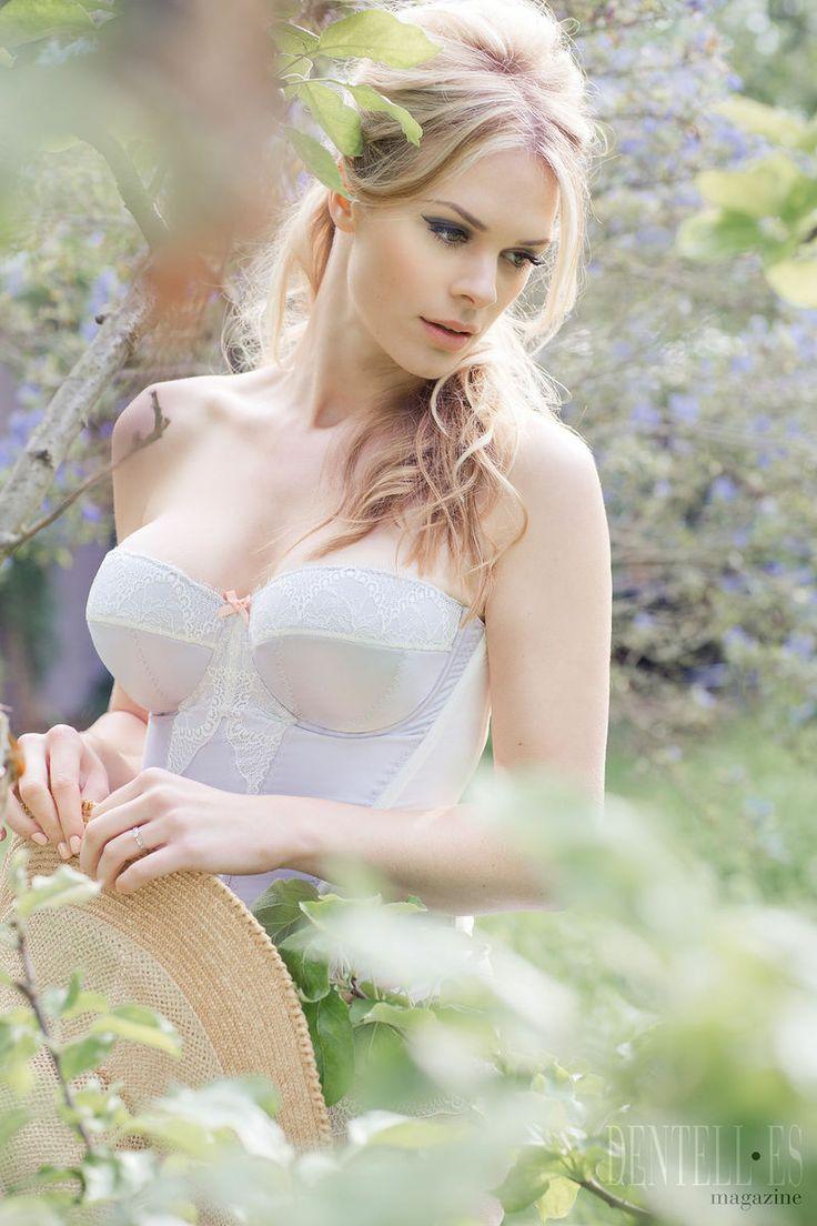 Fräulein Annie - Lencería - Primavera-Verano 2013 - http://es.dentell.es/fashion/lingerie-12/l/fraulein-annie-3398