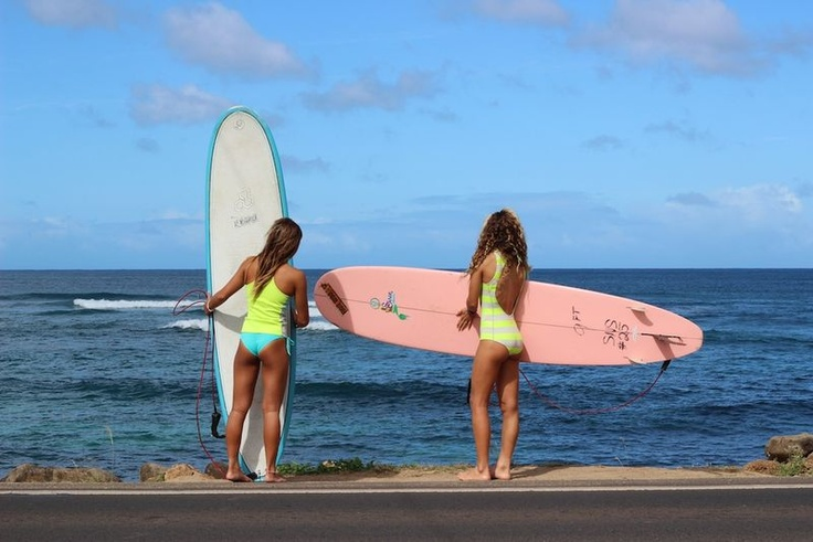 Billabong girls Alessa Quizon & Justine Dupont.