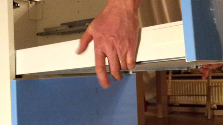 how to remove a kitchen drawer 3