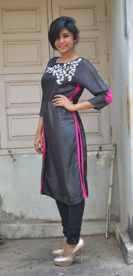 Contrast stripe up the side of the kameez--new fashion