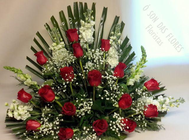 Ó son das flores: Arreglo florales para el exterior de un nicho.#F...