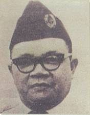 First Governor of NTT:J. Lala Mentik (born in Wolojita, 13 April 1921 - died in Jakarta, February 26, 2009 at the age of 87) is a former East Nusa Tenggara Governor from 1960 to 1965.  He also served as Regent of Ende District from 1960 to 1964.