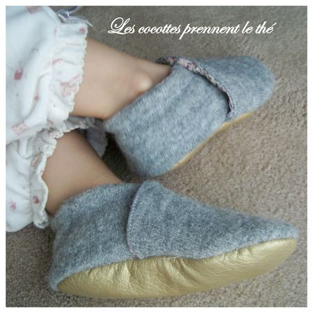 tuto chaussons id es couture accessoires pinterest slippers. Black Bedroom Furniture Sets. Home Design Ideas
