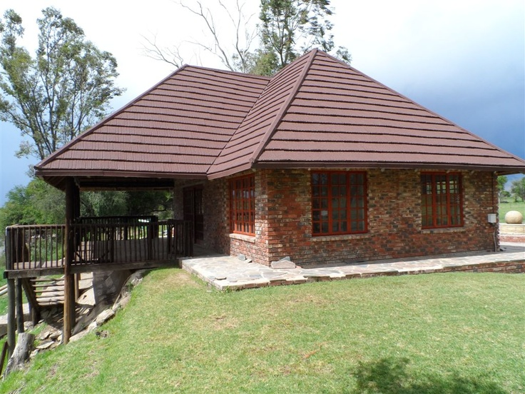 Next to Vaal river, tranquil profile to replace thatch