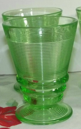 VINTAGE GREEN DEPRESSION GLASS FOOTED TUMBLER INDIANA OLD ENGLISH THREADING