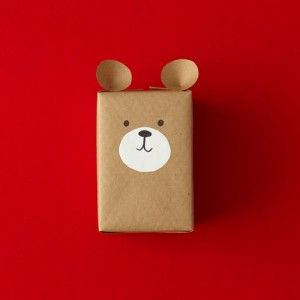 Paper papier carta box Teddy bear Odd-size item? No box? No paper? No problem! With a few household items, you can create any number of pretty packages. Check out our top holiday gift-wrapping ideas.